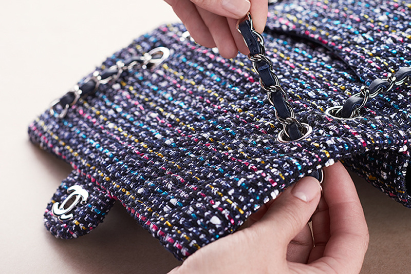 chanel-making-of-the-iconic-handbag-tweed_2