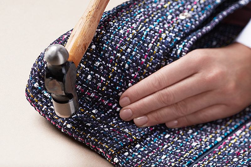 chanel-making-of-the-iconic-handbag-tweed_3